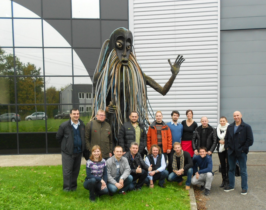 Group-picture visit to L-ACOUSTICS.jpg